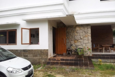 Villa For Rent in Puri Gading